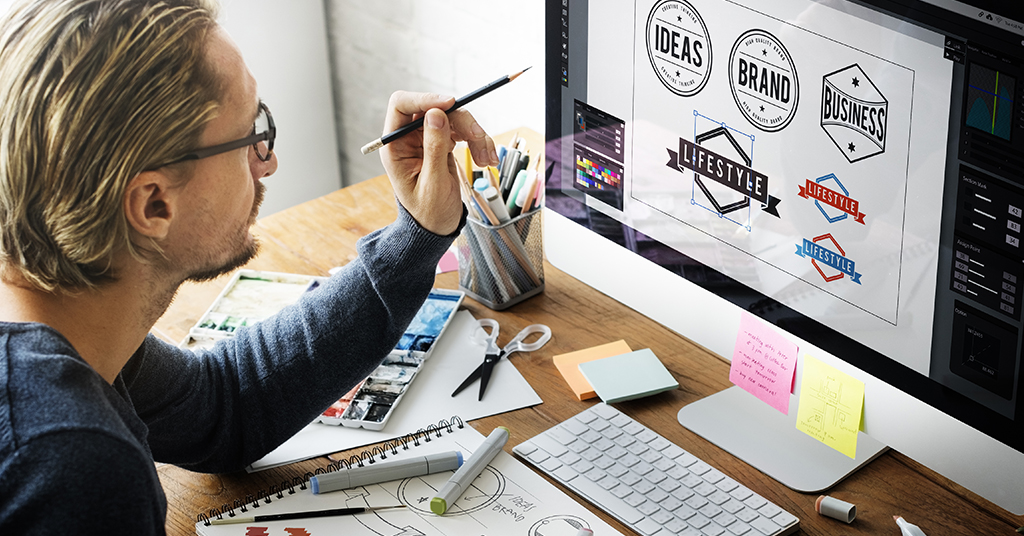 Featured image on logo designing mistakes to avoid for start ups